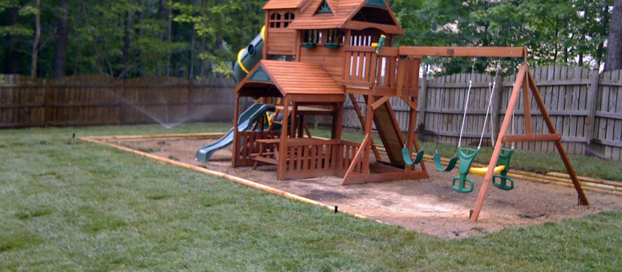 Landscpaing | Backyard with Playground